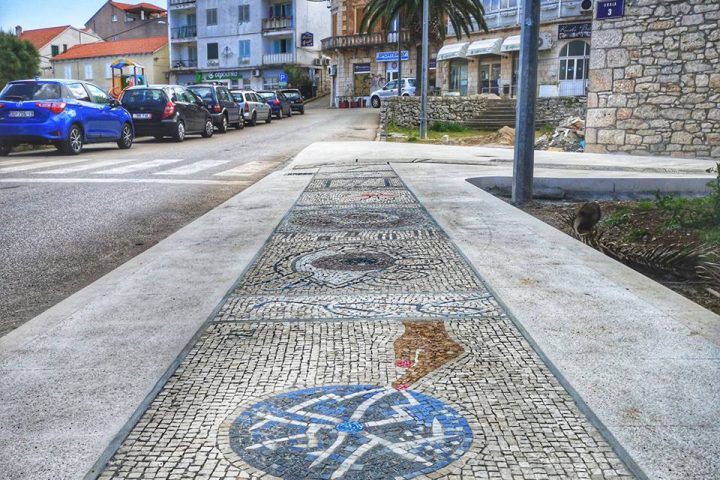 Luka mozaika - World's longest mosaic
